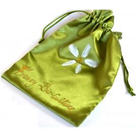 Confezione verde con scritta dorata